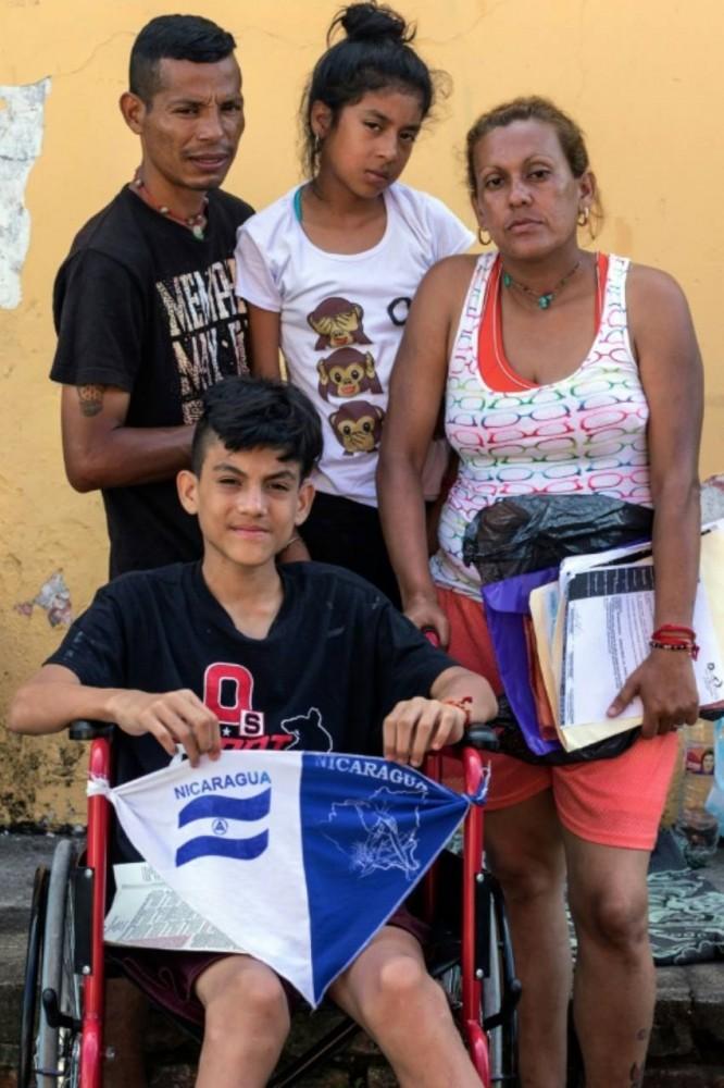 teen in mexico boarders