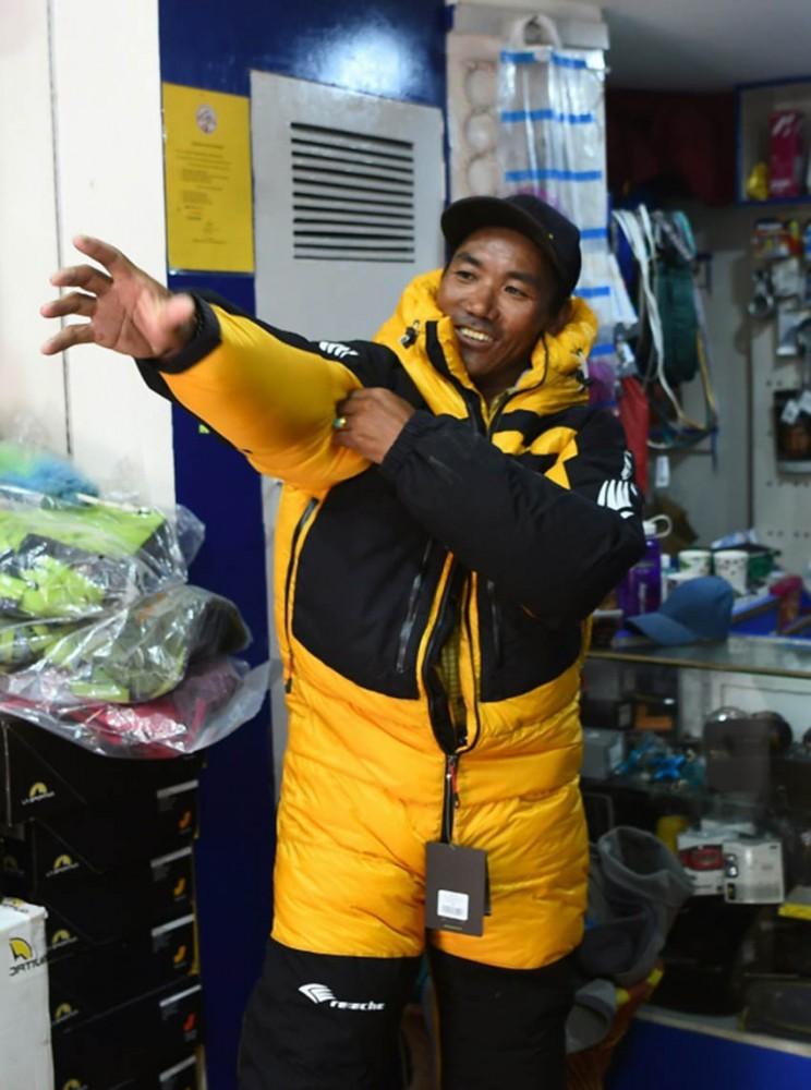 theyouthtimes, sherpa, guide, mountain, climbers